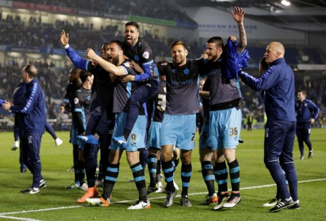 Britain Football Soccer - Brighton & Hove Albion v Sheffield Wednesday - Sky Bet Football League Championship Play-Off Semi Final Second Leg - The American Express Community Stadium - 16/5/16nSheffield Wednesday celebrate after the gamenAction Images via Reuters / Henry BrownenLivepic
