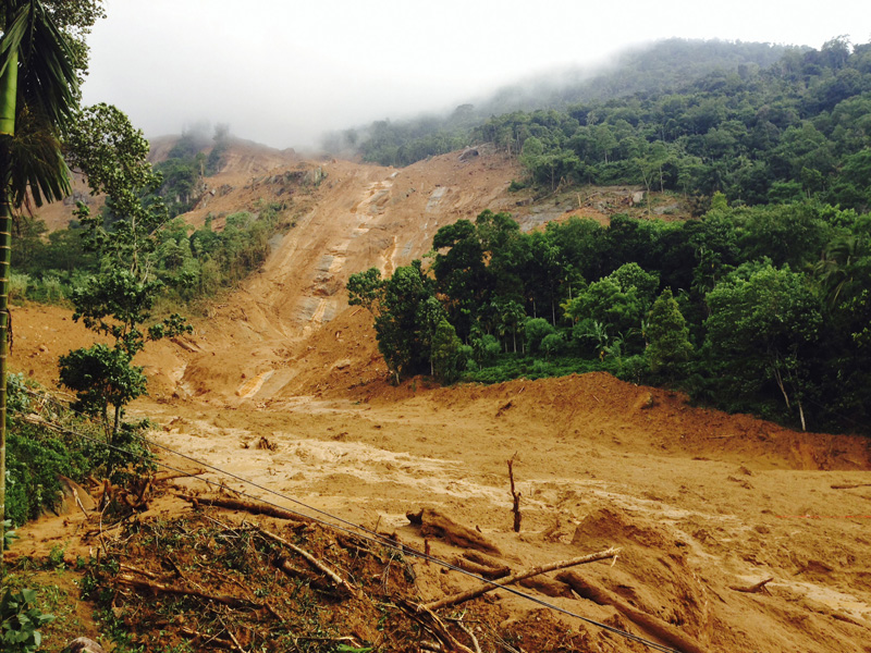 The scene after a massive landslide in  Kegalle District, about 72 kilometers (45 miles) north of Colombo, Sri Lanka, Wednesday, May 18, 2016. Photo: AP