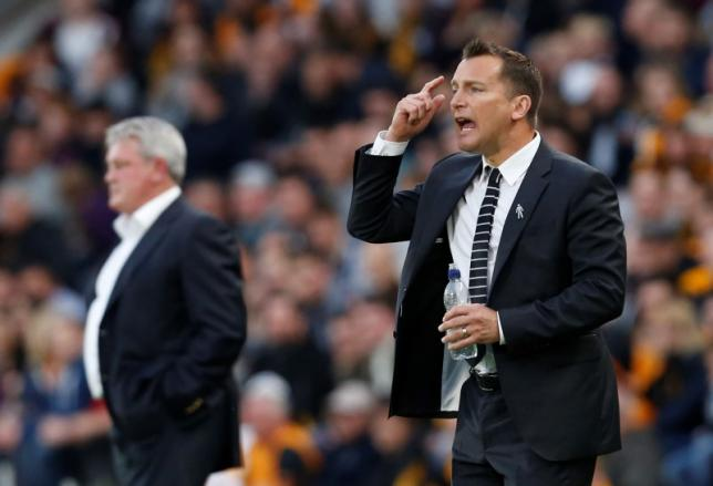 Britain Football Soccer - Hull City v Derby County - Sky Bet Football League Championship Play-Off Semi Final Second Leg - The Kingston Communications Stadium - 17/5/16nHull manager Steve Bruce and Derby manager Darren Wassall nAction Images via Reuters / Ed SykesnLivepic