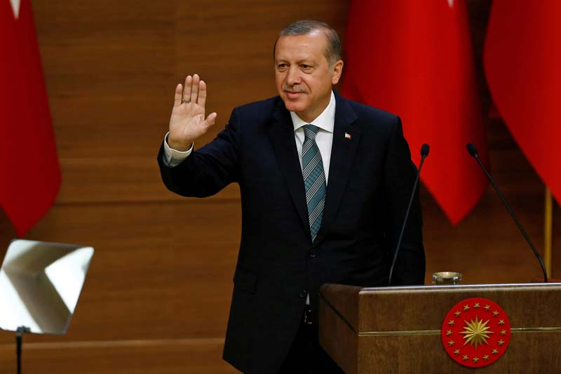 Turkish President Tayyip Erdogan greets mukhtars at the Presidential Palace in Ankara, Turkey, on May 4, 2016. Photo: Reuters