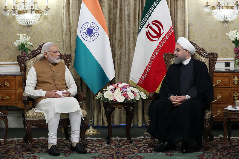 Indian Prime Minister Narendra Modi, left, meets with Iranian President Hassan Rouhani at the Saadabad Palace in Tehran, Iran, Monday, May 23, 2016. Photo: Iranian Presidency Office
