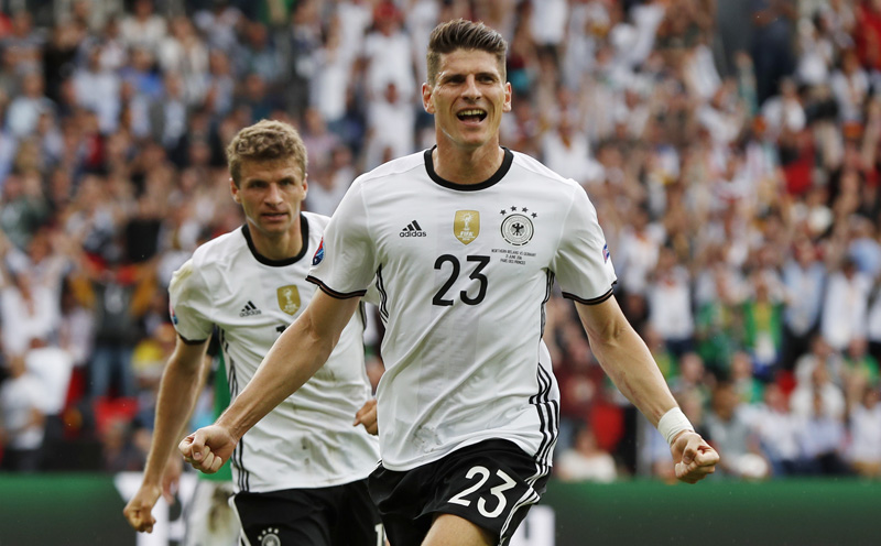 Germany's Mario Gomez celebrates after scoring their first goal nagainst Norther Ireland during Euro 2016 at Parc des Princes in Paris, on Tuesday, June 21, 2016. Photo: Reuters
