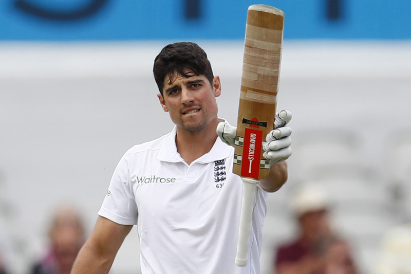 England's Alastair Cook celebrates his century during Second Test cricket match against Pakistan at Old Trafford in England, on Friday, July 22, 2016. Photo: Reuters