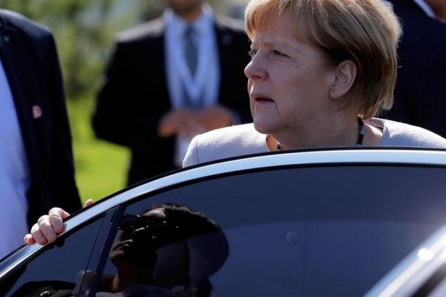 German Chancellor Angela Merkel gets in the car after her bilateral meeting with Chinese Premier Li Keqiang during the Asia-Europe Meeting (ASEM) summit just outside Ulaanbaatar, Mongolia, July 16, 2016.   REUTERS/Damir Sagolj