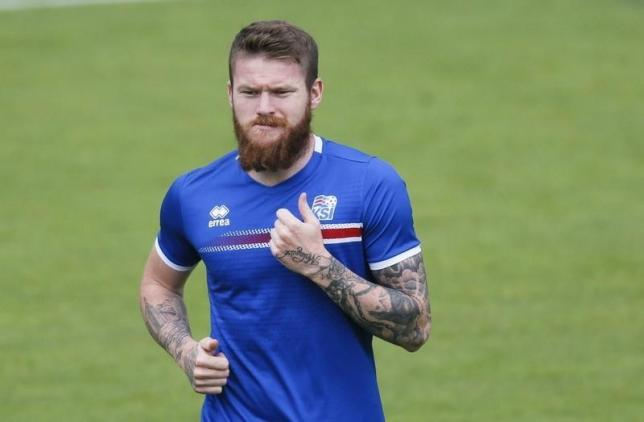 Football Soccer - Euro 2016 - Iceland Training - Complexe Sportif d'Albigny, Annecy-le-Vieux, France -  2/7/16 - Iceland's captain Aron Gunnarsson trains. REUTERS/Robert Pratta