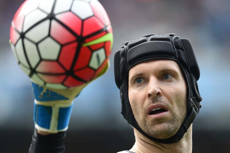 Arsenal's Czech goalkeeper Petr Cech holding the ball during the English Premier League football match between Manchester City and Arsenal at the Etihad Stadium in Manchester, north west England, on May 08, 2016 . Photo: AFP