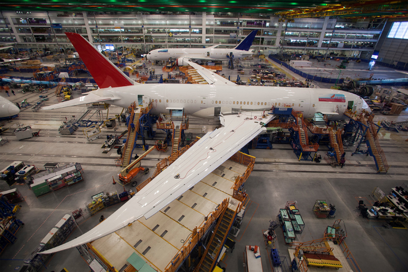 Workers at South Carolina Boeing work on a 787 Dreamliner for Air India at the plant's final assembly building in North Charleston, South Carolina, on Monday, July 25, 2016. Photo: Reuters