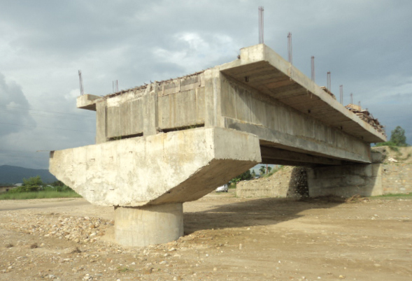 An under-construction bridge over the Pharset River in Triyuga Municipality, Udayapur, on Thursday, July 14, 2016. The bridge has been left in a lurch due to negligence of the contractor company. Photo: THT