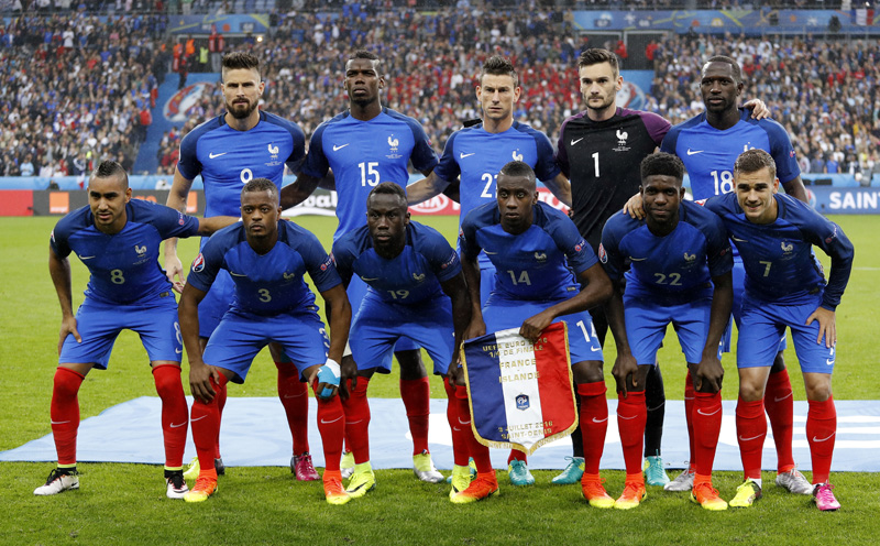 France players pose for a group photo prior to their Euro 2016 quarter final against Iceland at Stade de France, near Saint-Denis in Paris on Sunday, July 3, 2016. Photo: Reuters