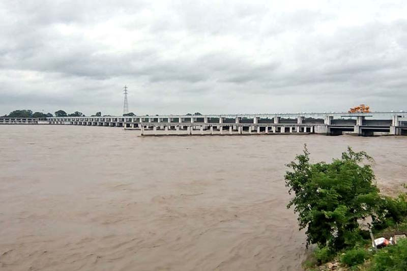 A view of Gandak Barrage over the swollen Narayani River, on Wednesday, July 27, 2016. Photo: RSS