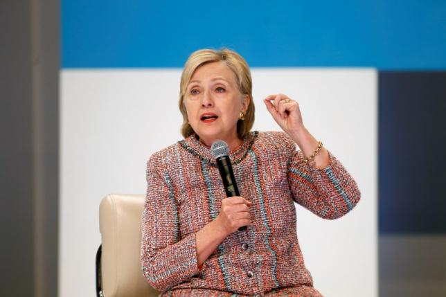 Democratic Presidential Candidate Hillary Clinton speaks at a town hall discussion with digital content creators in Los Angeles, California, U.S. June 28, 2016.  REUTERS/Jonathan Alcorn