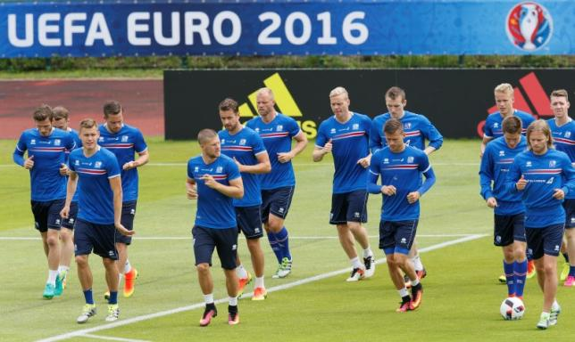 Football Soccer - Euro 2016 - Iceland Training - Complexe Sportif d'Albigny, Annecy-le-Vieux, France -  30/6/16 -  Iceland's team during a training. REUTERS/Robert Pratta
