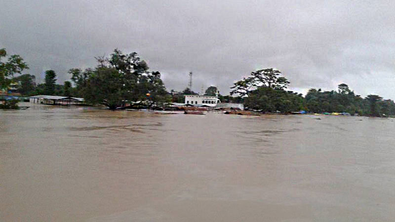Flooded banks of Jharahi River near Parasi Bazaar in Nawalparasi, on Friday, July 22. Photo: Shreeram Sigdel