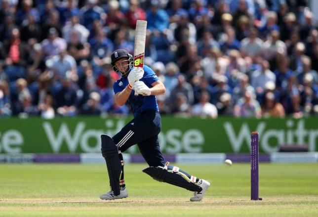 Britain Cricket - England v Sri Lanka - Fifth One Day International - SSE SWALEC, Cardiff, Wales - 2/7/16nEngland?s Joe Root in actionnAction Images via Reuters / Matthew ChildsnLivepic