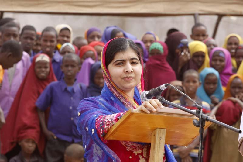 Malala Yousafza, speaks to refugees in the Dadaab refugee camp, Kenya, Tuesday, July 12, 2016. Photo: AP