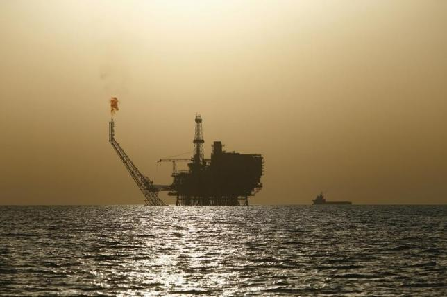 An offshore oil platform is seen at the Bouri Oil Field off the coast of Libya August 3, 2015. REUTERS/Darrin Zammit Lupi /Files