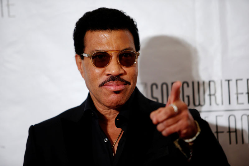 Musician Lionel Richie poses on the red carpet before the Songwriters Hall of Fame ceremony in New York June 9, 2016.  Photo: Reuters/File