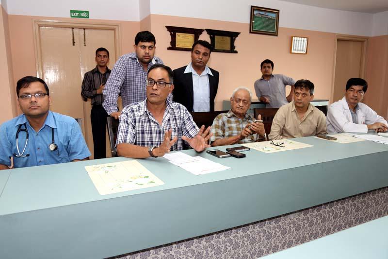 Dr Lava Nursing Joshi briefs media about Shashanka Koirala's health condition, in Kathmandu, on Wednesday, July 6, 2016.