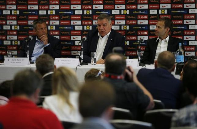 Britain Football Soccer - England - Sam Allardyce Press Conference - Hilton Hotel, St. George?s Park, Burton upon Trent, Staffordshire - 25/7/16nFA chief Executive Martin Glenn, England Manager Sam Allardyce and FA Technical Director Dan Ashworth during the press conferencenAction Images via Reuters / Andrew CouldridgenLivepic