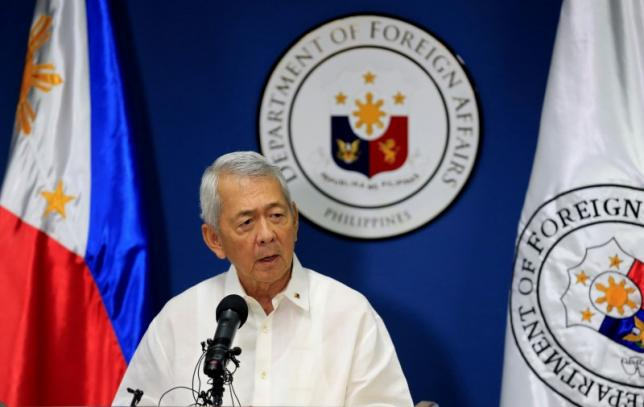 Philippine Foreign Secretary Perfecto Yasay gives a brief statement regarding the tribunal ruling on the South China Sea during a news conference at the Department of Foreign Affairs headquarters in Pasay city, metro Manila, Philippines July 12, 2016. REUTERS/Romeo Ranoco - RTSHIR1