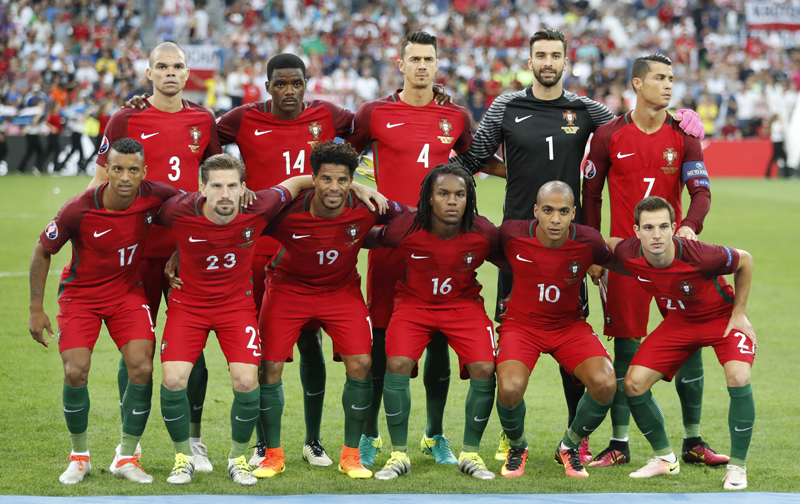 Portugal team pose for a photo prior to their Euro 2016 Quarter Final soccer match against Poland at Stade Velodrome, in Marseille, on Thursday, June 30, 2016. Photo: Reuters
