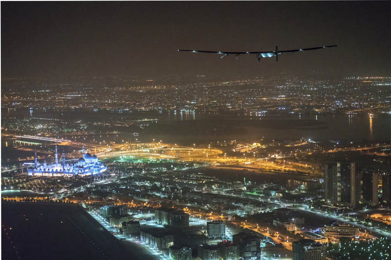 Solar Impulse 2, the solar powered plane, piloted by Swiss pioneer Bertrand Piccard, is seen before landing in Abu Dhabi to finish the first around the world flight without the use of fuel in United Arab Emirates on July 26, 2016. Photo: Reuters