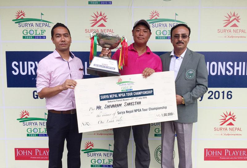 Shivaram Shrestha poses with NPGA President Rabindra Man Shrestha (right) and Surya Nepal Pvt Ltd Brand Manager Rajat Thapa after winning the Surya Nepal Tour Championship at the Gokarna Golf Club in Kathmandu on Thursday, July 7, 2016. Photo courtesy: NPGA