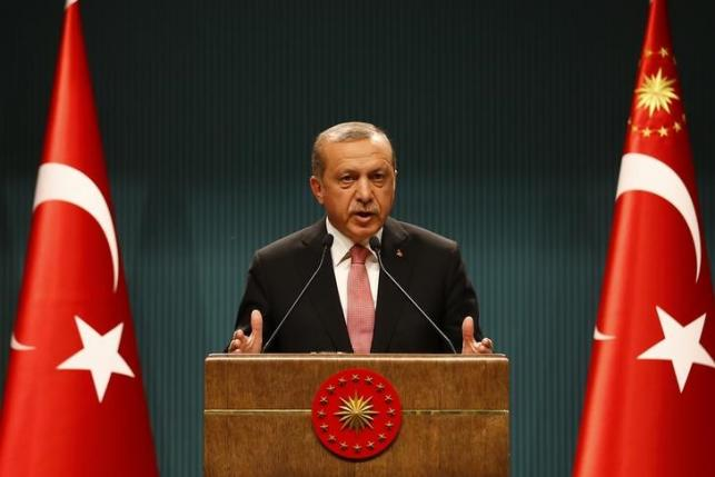 Turkish President Tayyip Erdogan speaks during a news conference following the National Security Council and cabinet meetings at the Presidential Palace in Ankara, Turkey, July 20, 2016. REUTERS/Umit Bektas