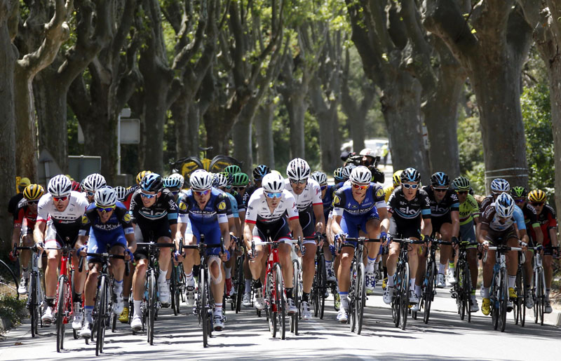 The pack of riders cycles during the Stage 12 from Montpellier to Chalet-Reynard on July 14, 2016. Photo: Reuters/File
