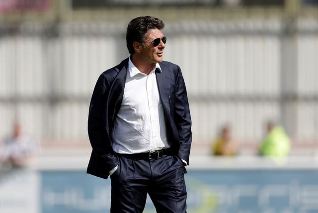 Britain Soccer Football - Woking v Watford - Pre Season Friendly - Laithwaite Community Stadium - 10/7/16nWatford manager Walter Mazzarri before the game. Action Images via Reuters / Henry Browne
