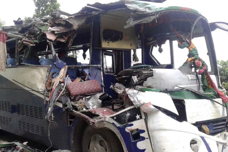 The bus (Na 5 Kha 5055) after the incident at Ramantar in Manahari-3 of Makawanpur district, on Saturday, July 30, 2016. Photo: Prakash Dahal