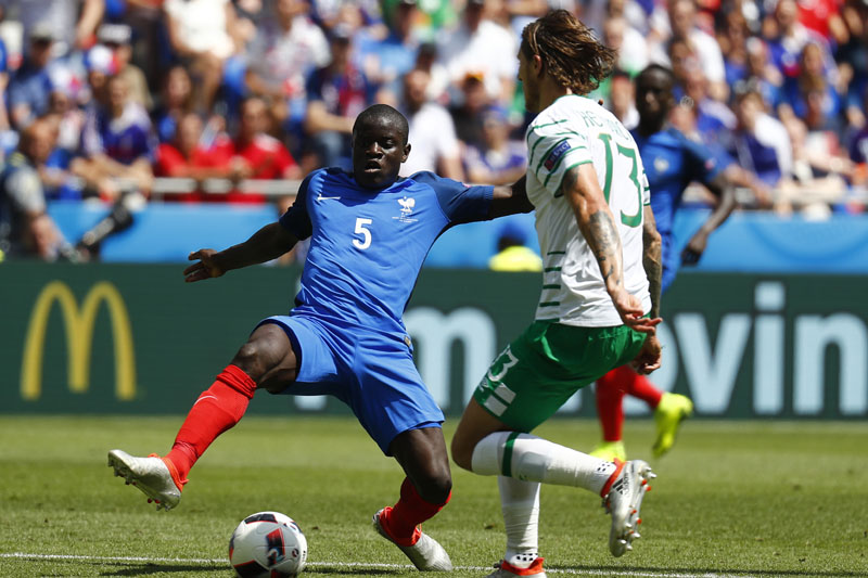 France's N'Golo Kante in action with Republic of Ireland's Jeff Hendrick at Stade de Lyon, on June 26, 2016. Photo: Reuters/File  nREUTERS/Kai PfaffenbachnLivepic