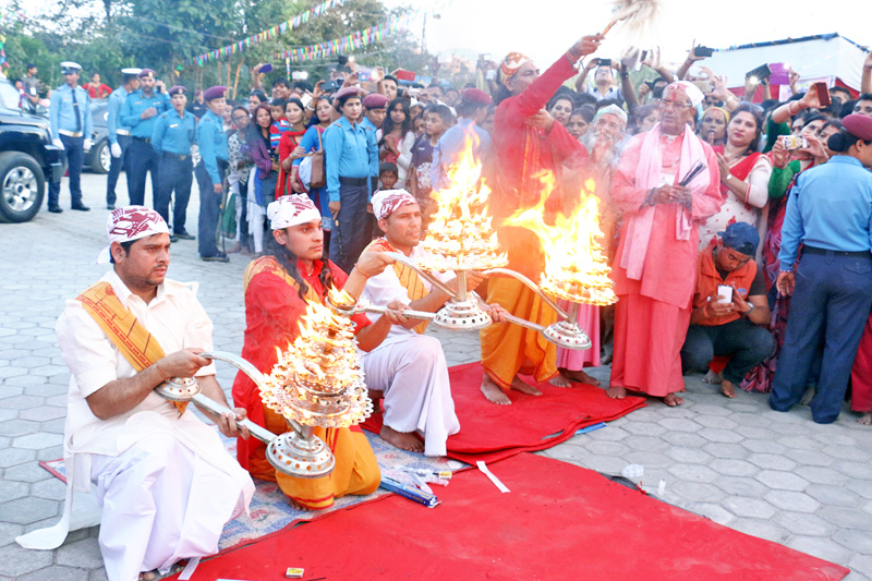 Devotees performing aarati on the occasion of Krishna Janmastami in Gothatar of Kageshwori Manahara Municipality, on Thursday, August 25, 2016. Photo: RSS