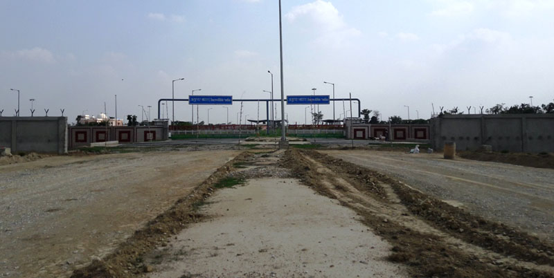 A view of the under-construction Nepal-India Integrated Check Post at Alau in Birgunj, Parsa, on Thursday, August 4, 2016. Photo: THT