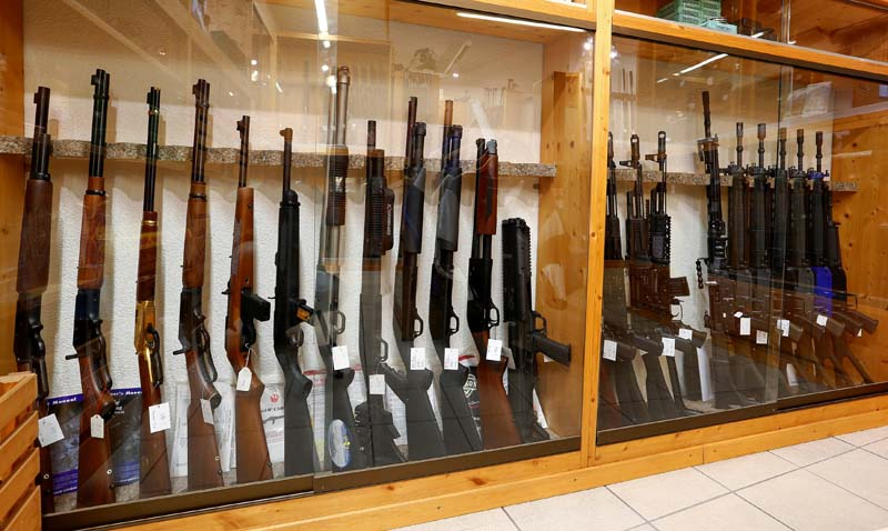 File- Different types of rifles are displayed at Wyss Waffen gun shop in the town of Burgdorf, Switzerland, on August 10, 2016. Photo: Reuters