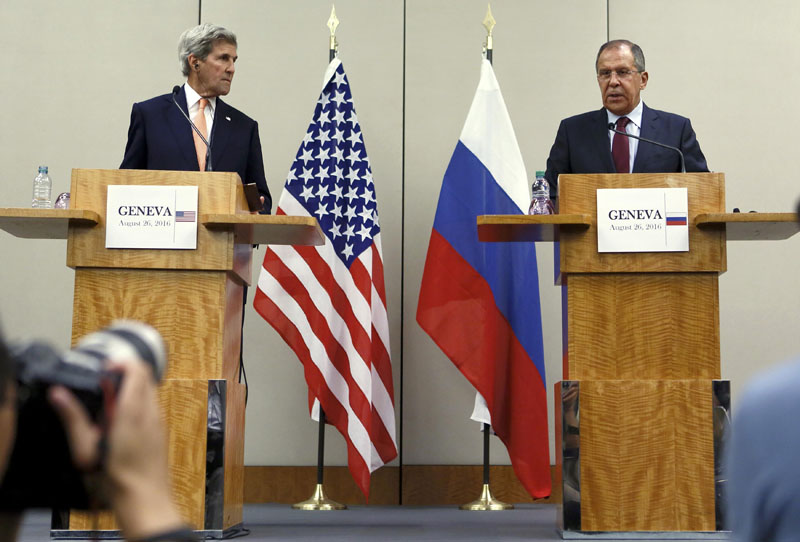 US Secretary of State John Kerry (Left) and Russian Foreign Minister Sergei Lavrov attend a news conference after a meeting on Syria in Geneva, Switzerland, on August 26, 2016. Photo: Reuters