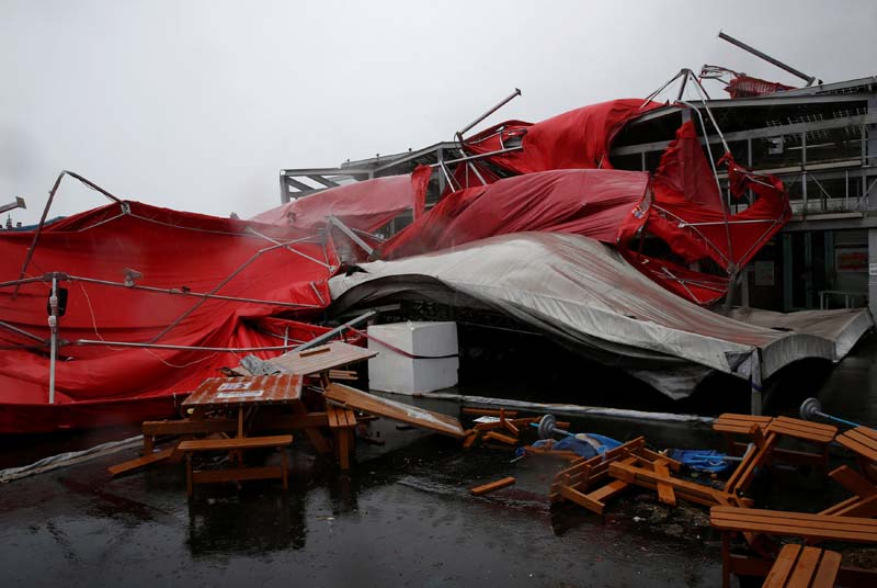 A damaged tent is see as Typhoon Megi hits Hualien, eastern Taiwan, on Tuesday, September 27, 2016. Photo: Reuters