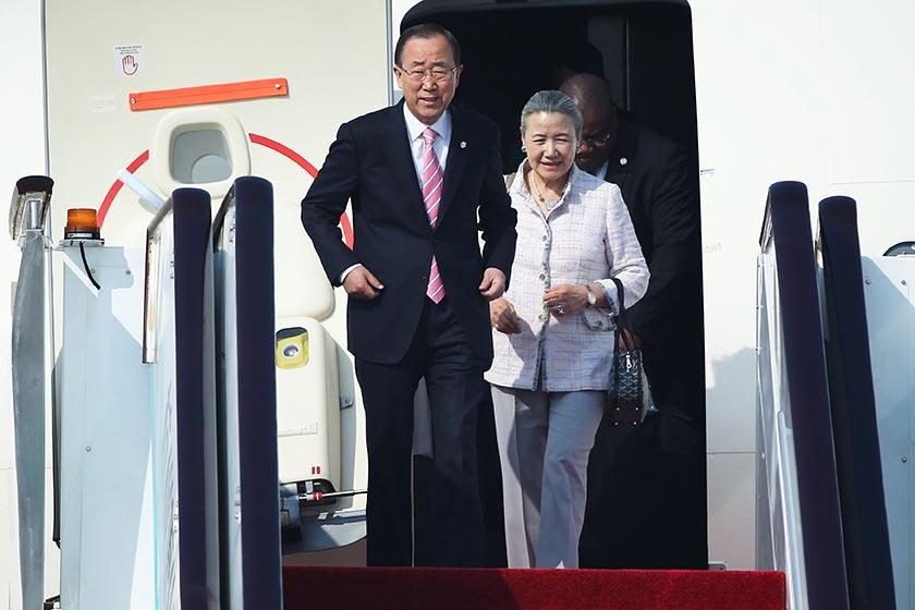 UN Secretary-General Ban Ki-moon and his wife Yoo Soon-taek step out of the plane as they arrive at the Hangzhou Xiaoshan international airport before the G20 Summit in Hangzhou, Zhejiang province, China September 3, 2016. REUTERS/Damir Sagolj