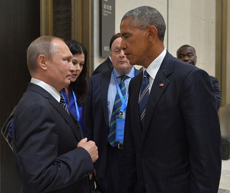 Russian President Vladimir Putin (Left) meets with US President Barack Obama on the sidelines of the G20 Summit in Hangzhou, China, on September 5, 2016. Sputnik via Reuters