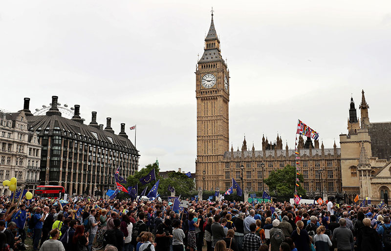 Pro-Europe protesters take part in a March for Europe rally from Park Lane to Parliament Square, in London, on Saturday, September 3, 2016. Photo: Chris Radburn/PA via AP)