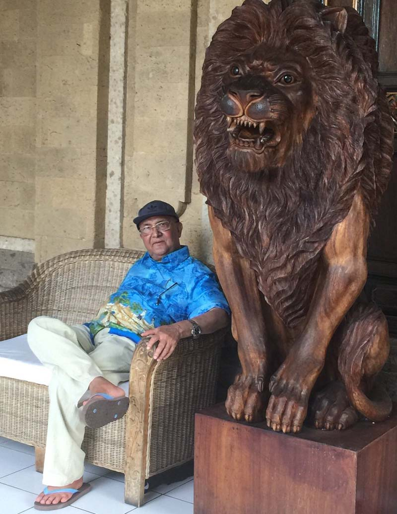 CPN-UML Chairman KP Sharma Oli also managed to visit Indonesia during his medical trip to Thailand. In this photo tweeted by his close aide and UML leader Bishnu Rimal, Oli poses for a photo with a lion statue on September 2, 2016.