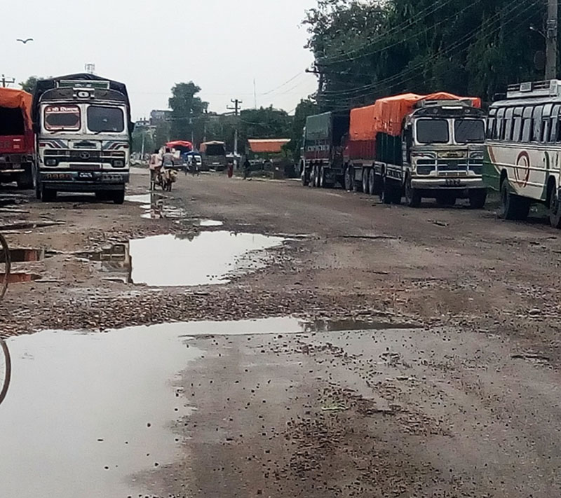 A vital road section recently renovated by the Rautahat Road Division Office along the East-West Highway on Thursday, September 15, 2016. Photo: Prabhat Kumar Jha