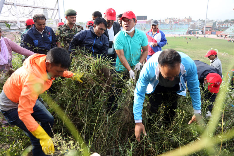 Minister for Youth and Sports, Daljit Shripaili participates in a clean-up programme organised by All Nepal National Independent Students' Unionu0096Revolutionary, a sister organisation of CPN Maoist Centre today in memory of the party's leader late Post Bahadur Bogati at Dasharath Stadium in Kathmandu on Friday, September 16, 2016. Photo: RSS