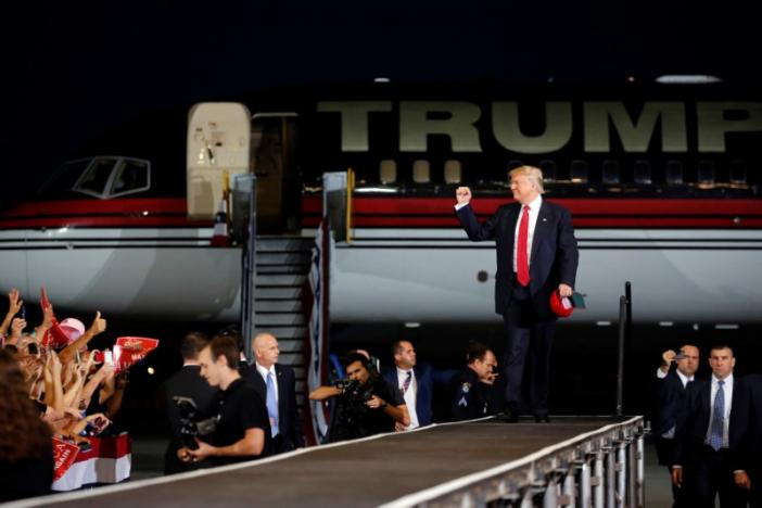 Republican U.S. presidential nominee Donald Trump arrives for a rally with supporters at Orlando Melbourne International Airport in Melbourne, Florida, U.S. September 27, 2016. REUTERS/Jonathan Ernst