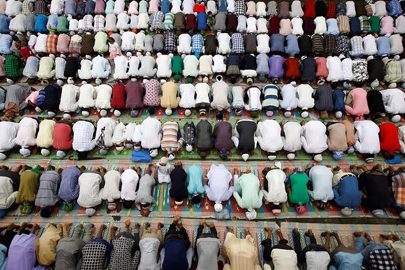 Nepali Muslims attend the mass prayer during the Eid al-Adha celebrations at the Kashmiri Takiya Jame mosque in Kathmandu, on September 13, 2016. Photo: Reuters