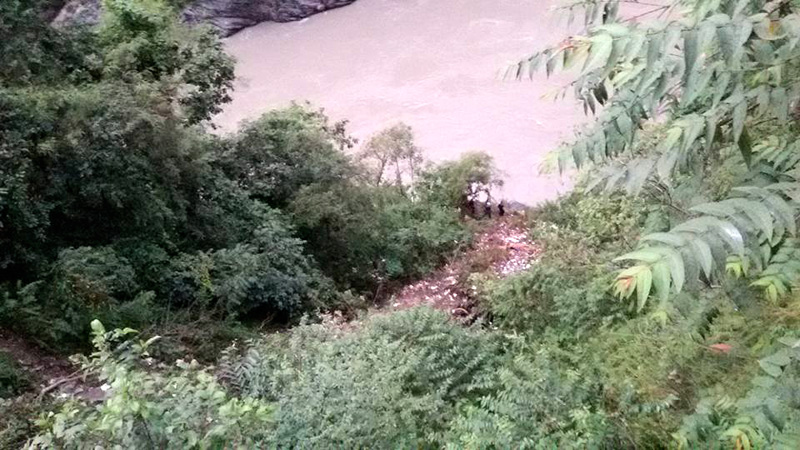 A view of the Trishuli River from a point of the Prithvi Highway from where a jeep carrying former minister Madhav Ghimire plunged into the Trishuli River, killing at least three, in Chitwan district, on Sunday, September 25, 2016. Photo: Shiva Khanal