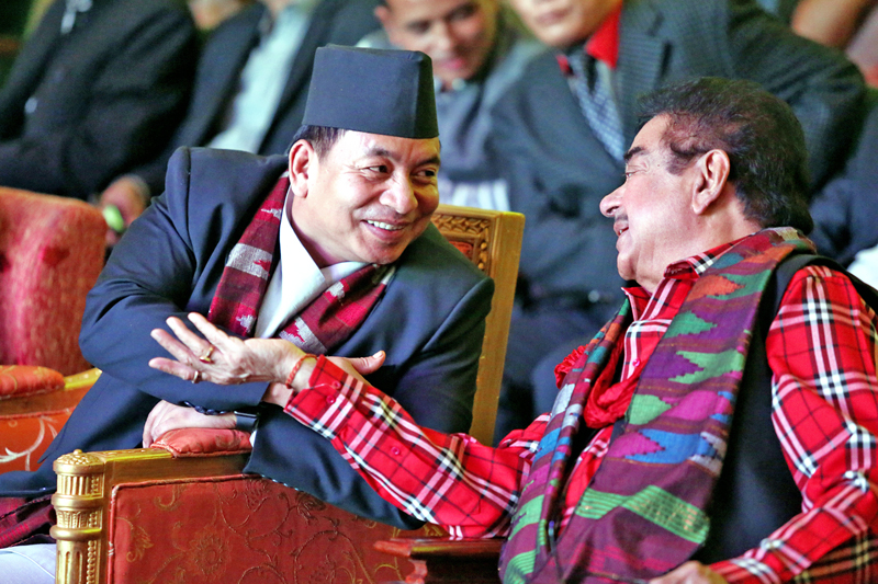 Nepal's Vice-President Nanda Bahadur Pun chit chat with Bollywood actor Shatrughan Sinha during the LG Film Awards organised by Cine Circle Nepal, in Kathmandu, on Wednesday, September 7, 2016. Photo: RSS