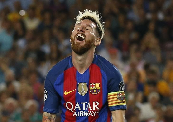 Football Soccer - FC Barcelona v Celtic - UEFA Champions League Group Stage - Group C - The Nou Camp, Barcelona, Spain - 13/9/16nBarcelona's Lionel Messi reactsnReuters / Albert GeanLivepic