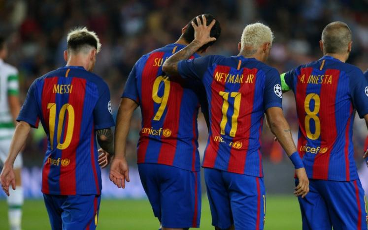 Football Soccer - FC Barcelona v Celtic - UEFA Champions League Group Stage - Group C - The Nou Camp, Barcelona, Spain - 13/9/16nBarcelona's Luis Suarez celebrates scoring their sixth goal with Lionel Messi, Andres Iniesta and NeymarnReuters / Paul Hanna