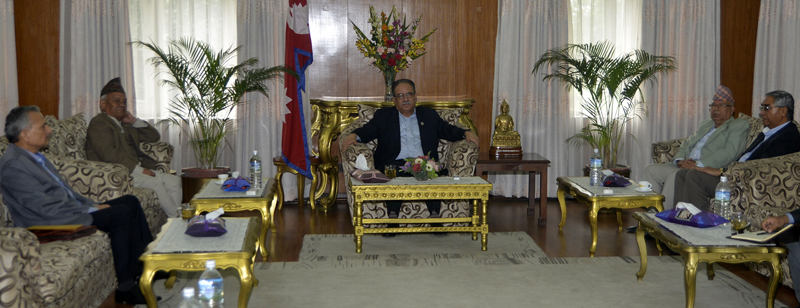 Prime Minister Pushpa Kamal holds a meeting with former Prime Ministers at Baluwatar on Tuesday, September 13, 2016. Photo: PMu2019s Secretariat